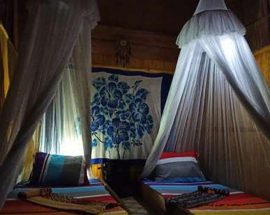 solar-lamps-sten-lodge-eco-homestay-labuan-bajo